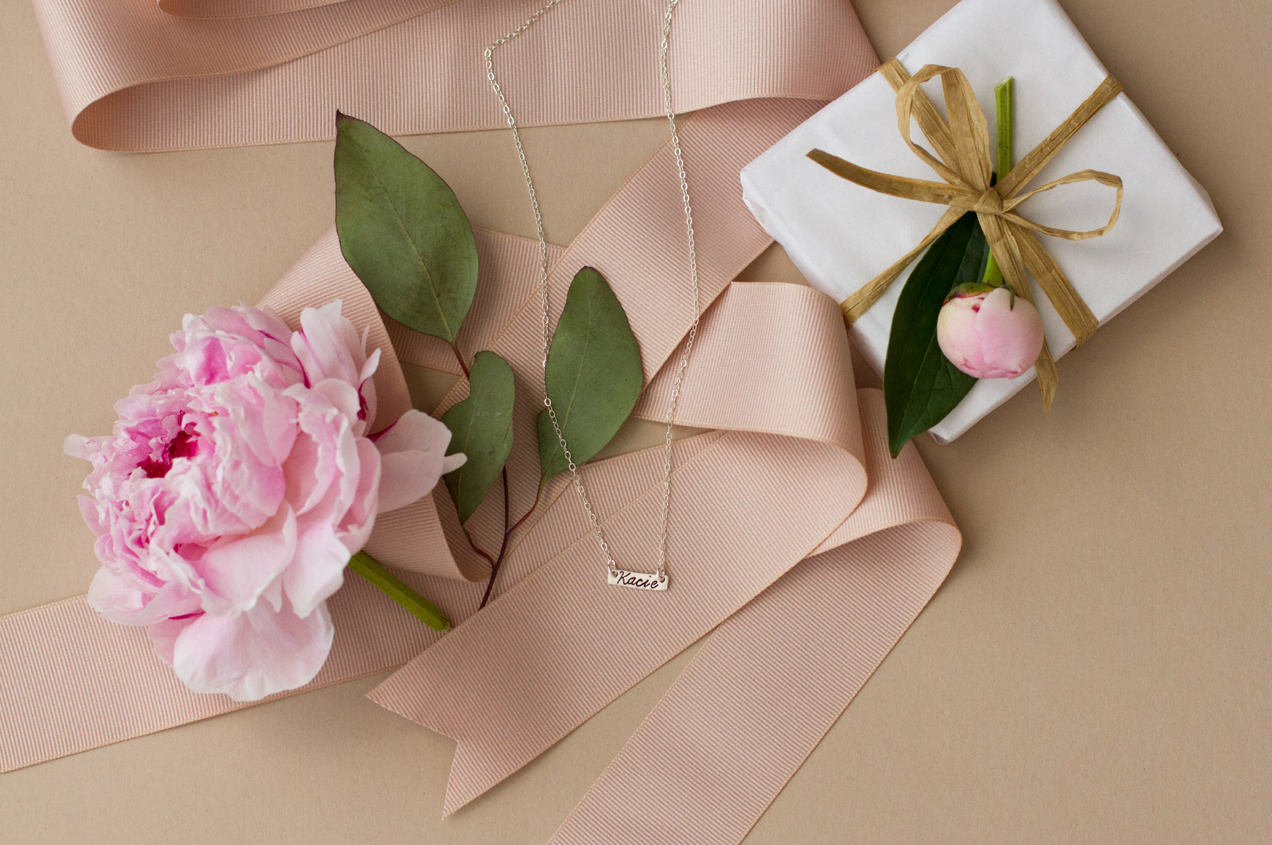 Fuze-Branding-Mommy-Jewelry-Customized-Jewerly-For-Mothers-Custom-Necklace-With-Stylized-Florals-Product-Lifestyle-Photography